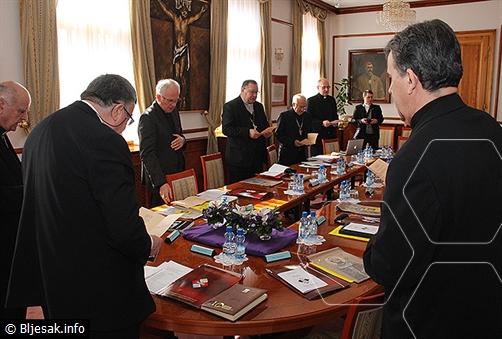 Biskupi BiH: Dayton ne može omogućiti normalan razvitak bh. društva