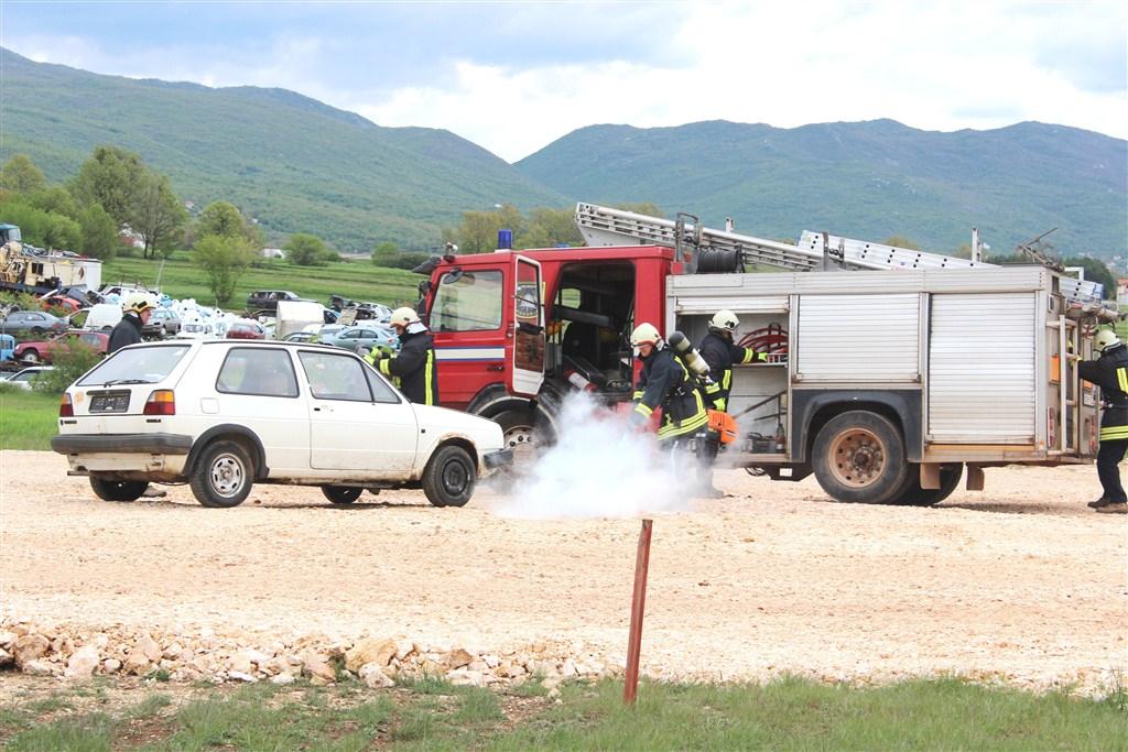 Pokaznom vježbom vatrogasci Posušja obilježili Međunarodni dan vatrogasaca