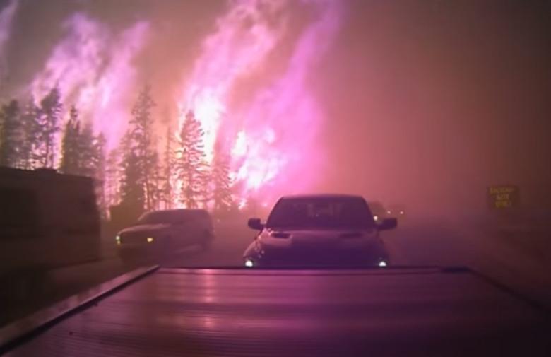 ZASTRAŠUJUĆE SNIMKE: Kanadski u grad plamenu, ljudi doslovno u posljednji tren spašavali živote
