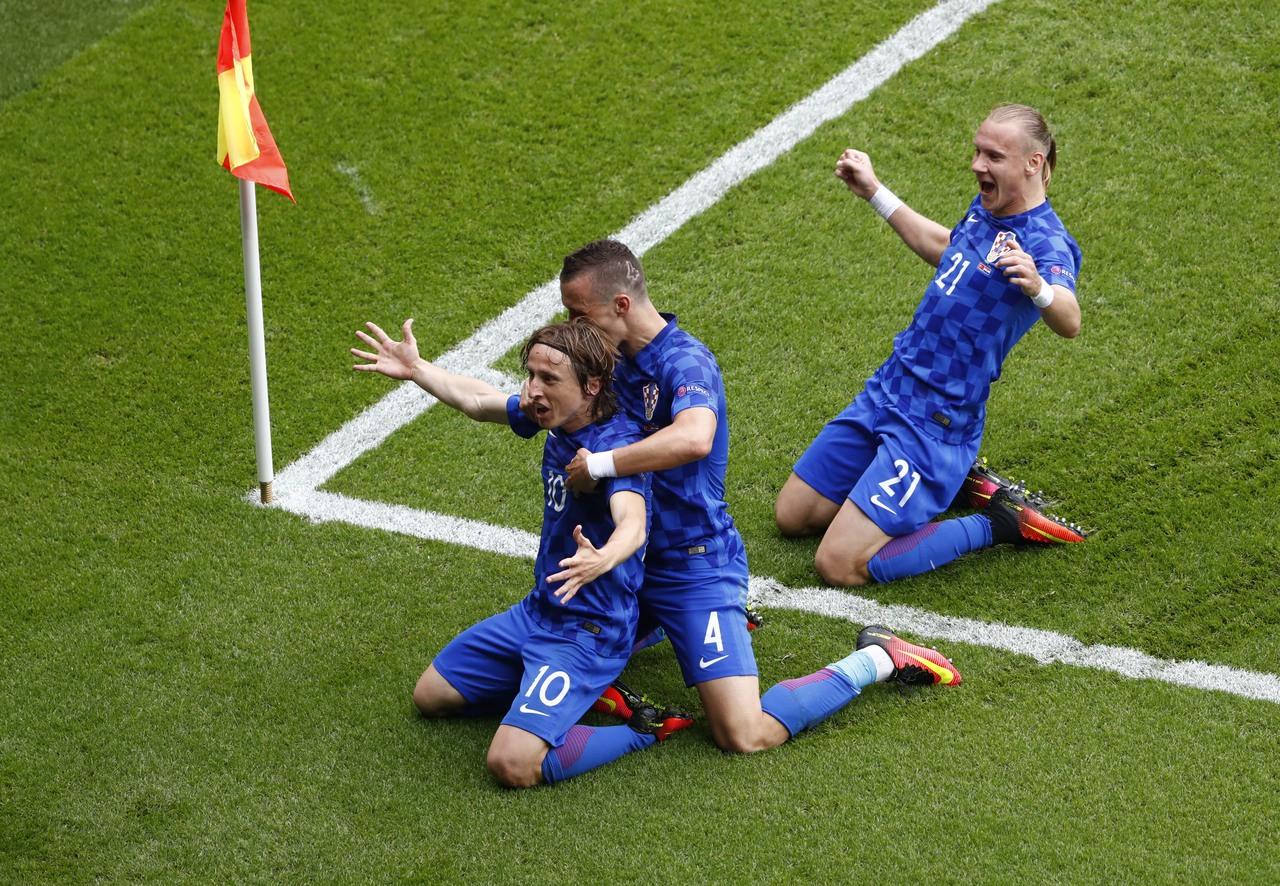 Velika pobjeda na startu! Hrvatska sjajnim pogotkom Luke Modrića pobijedila Tursku s 1:0