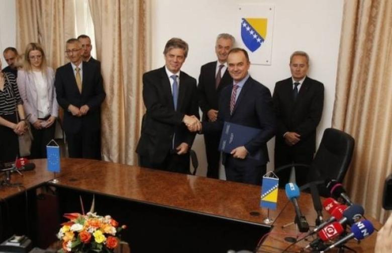 VELIKI KORAK BiH parafirala Sporazum o stabilizaciji i pridruživanju