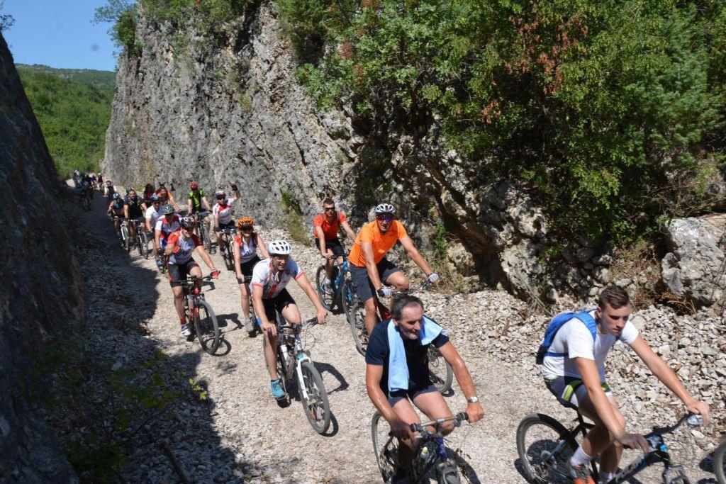 Više od 200 biciklista proslavilo 115. rođendan Ćire