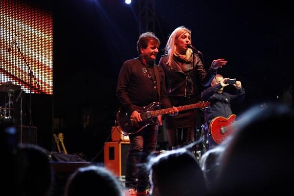 Crvena jabuka i Teška industrija održali spektakularni koncert u Posušju