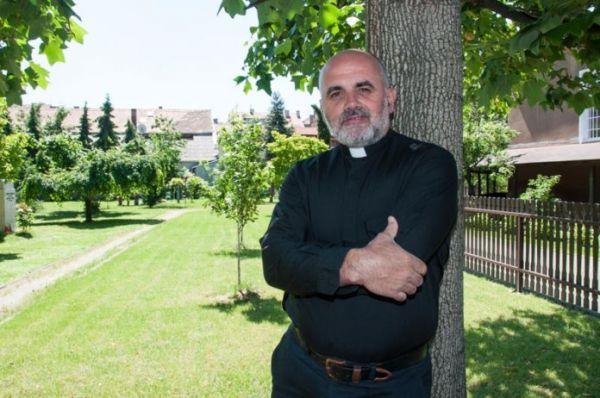 Pater Ike Mandurić: Otkud volja i motiv za provokaciju na Trgu uoči Oluje?