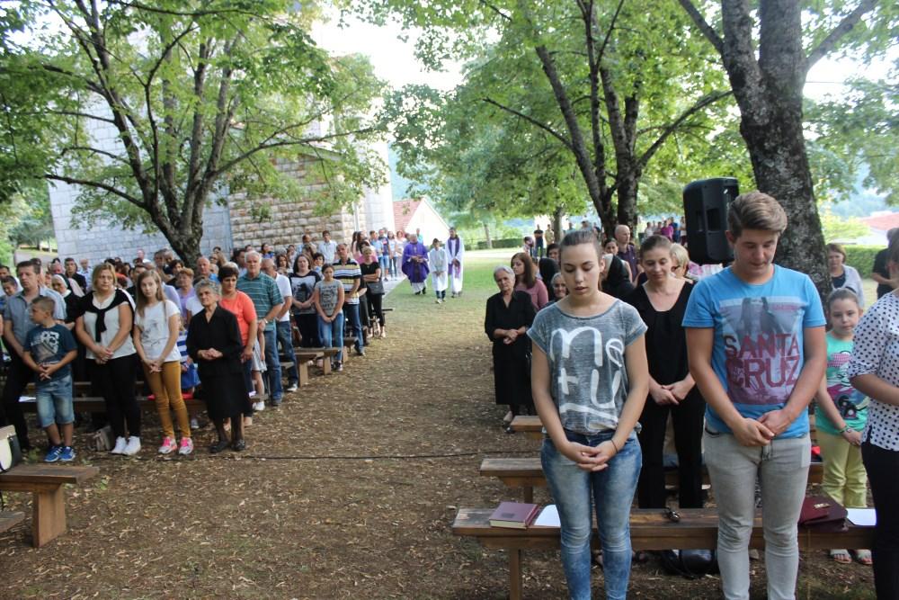 GRADAC: Godišnja misa za žrtve rata