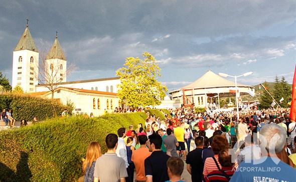 Tisuće mladih iz cijeloga svijeta došli na Mladifest u Međugore