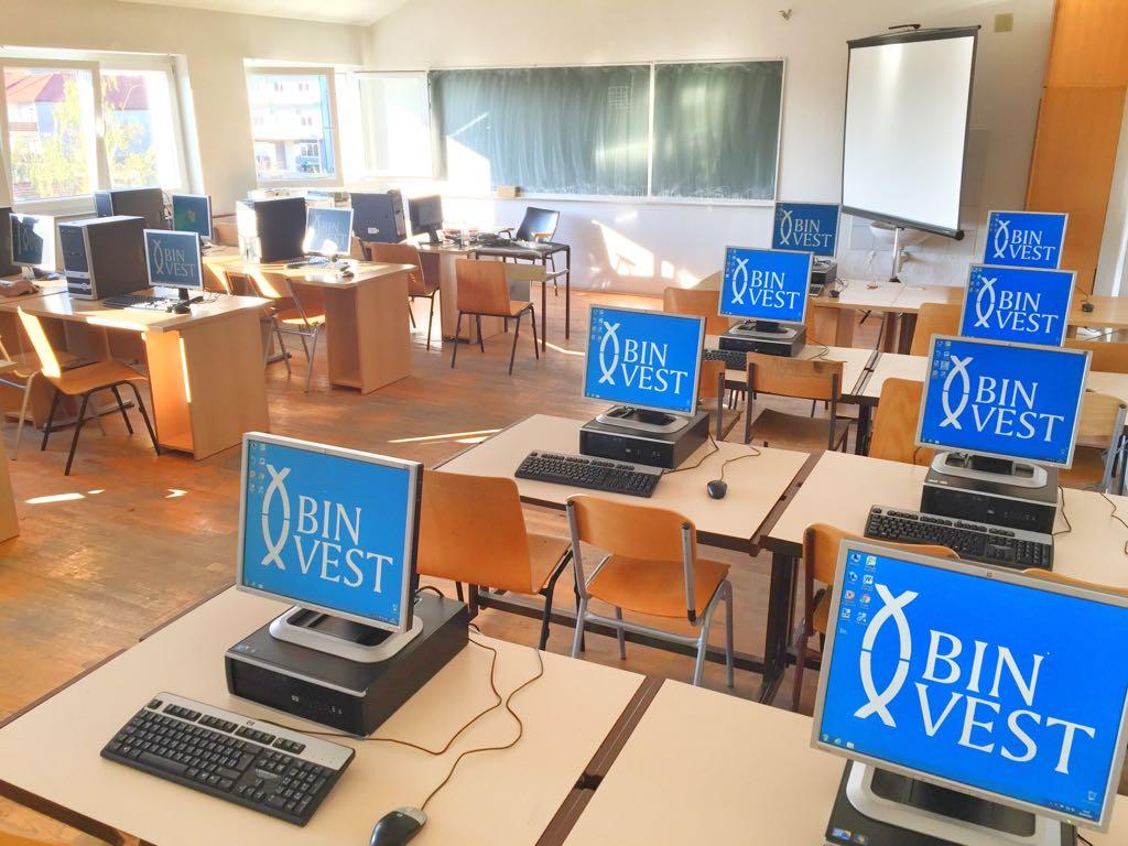 SURADNJA JE POKRETAČ NAPRETKA: Binvest donirao 12 novih računala i projektor Srednjoj strukovnoj školi Posušje