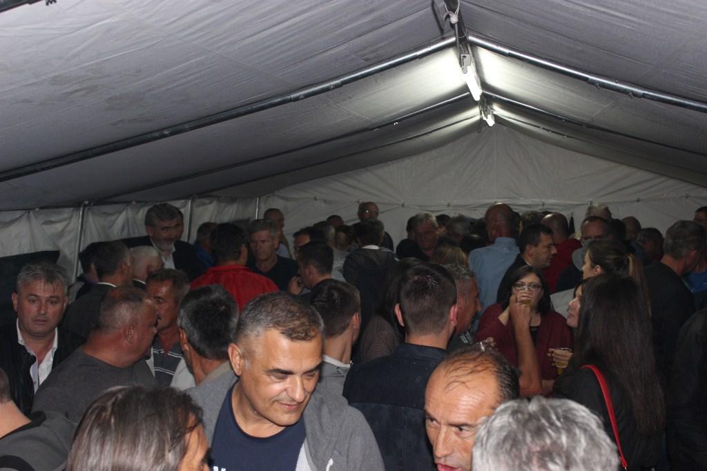 ČITLUK: Unatoč kiši više od 400 ljudi došlo podržati kandidate HDZ BiH