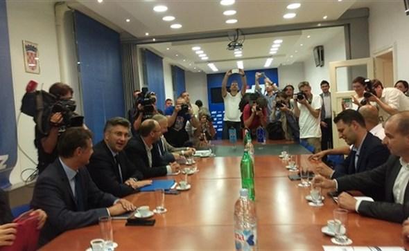 """Plenković i Petrov nakon sastanka: """"Ovo je mali početak buduće suradnje"""""""