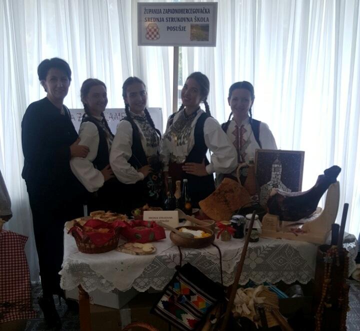 Učenice SSŠ Posušje na smotri Dana kruha u Stubičkim Toplicama