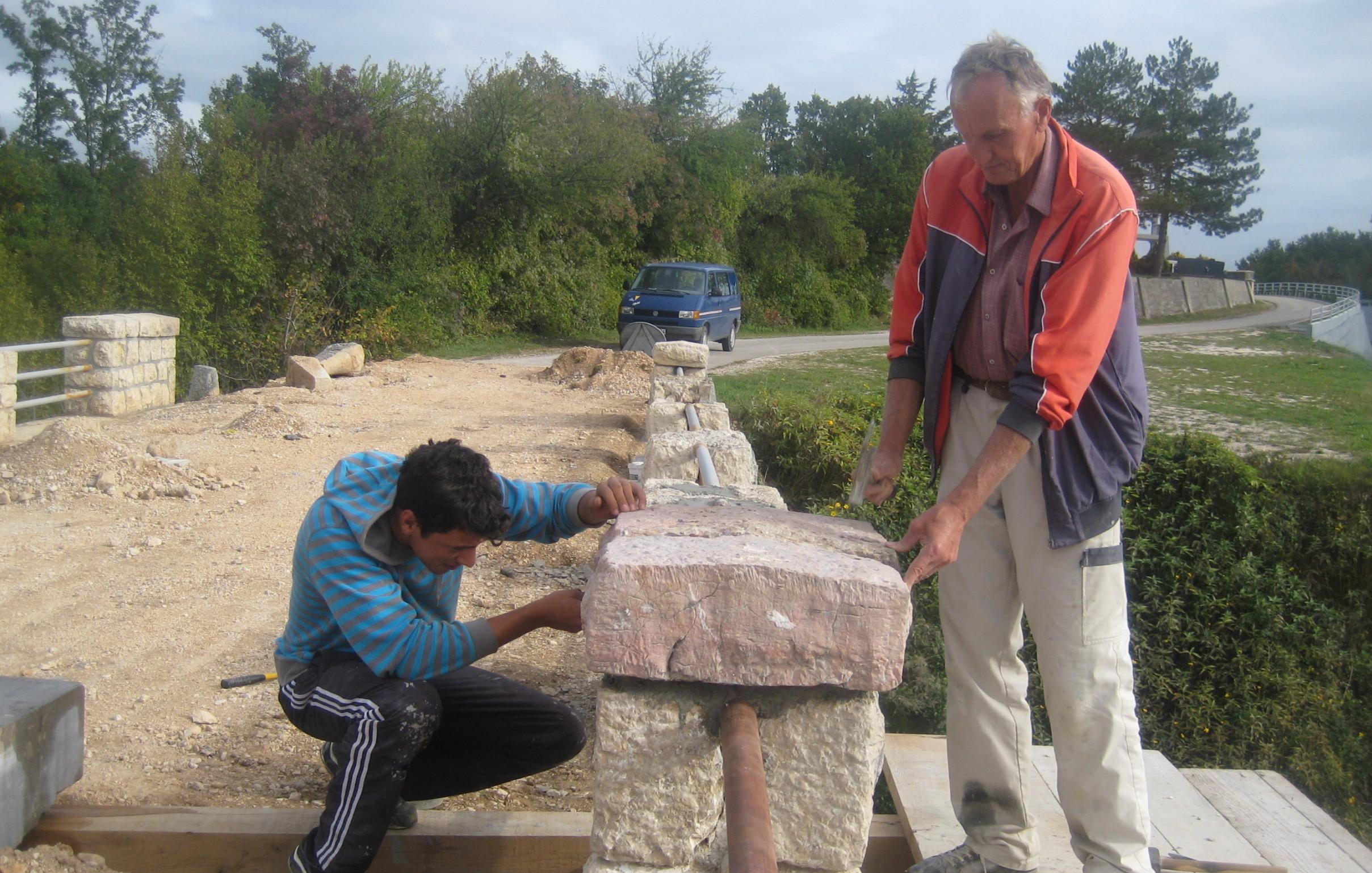 Zaštita kamenog mosta na Ričini: Započela obnova tog poznatog kamenog zdanja