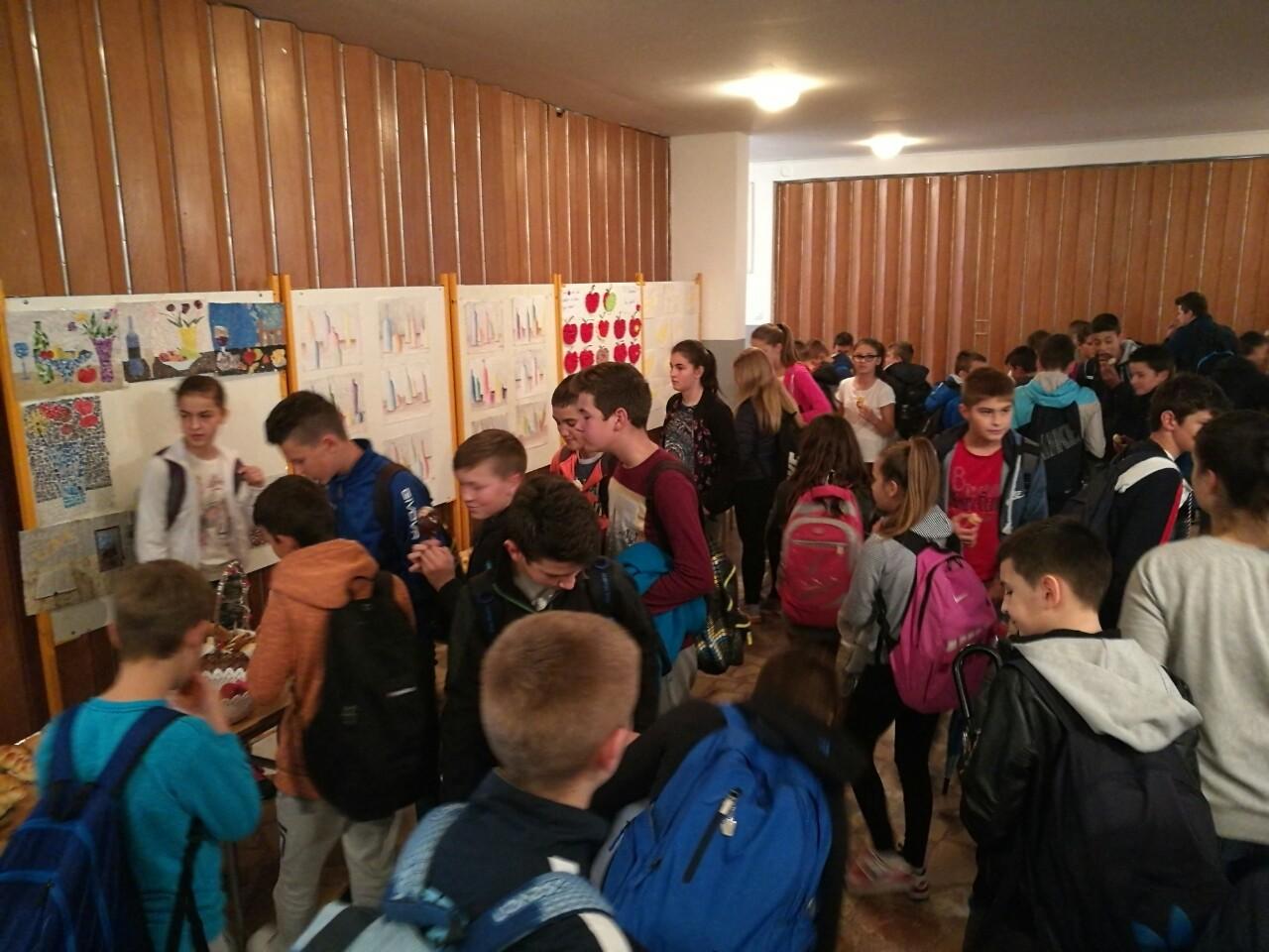 Učenici najbrojnije škole u BiH obilježili Dane kruha