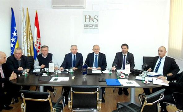 Inzko zagovara kršenje Ustava BiH i nepoštivanje odluka Ustavnog suda BiH