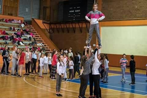 Posuške cheerleadersice u kampu u Sarajevu