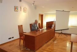 Ivica Karamatić na svom predavanju o Blaženom Stepincu