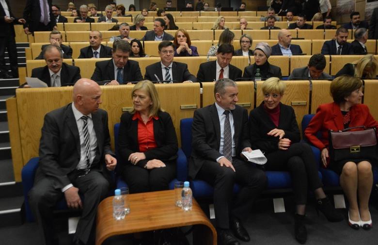 NAKON POLITIČKOG DOGOVORA: Kompromisi oko važnih zakona ključni za nastavak rada Parlamenta