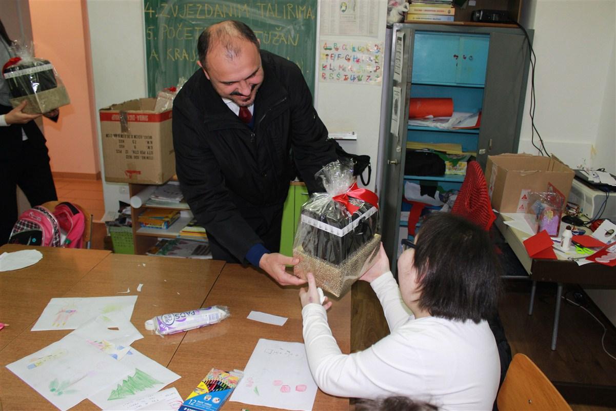 Prigodni posjet Odjelu za djecu s posebnim potrebama i posuškoj Udruzi invalida