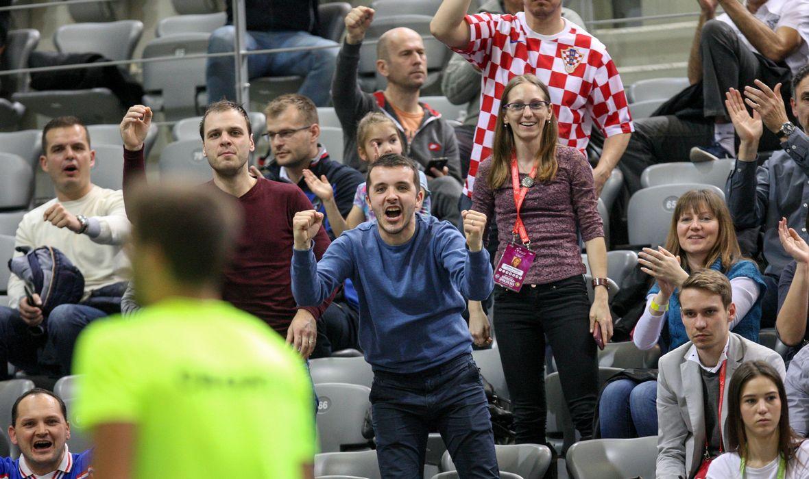 Hrvatska pala u Slavoniji, a cijela dvorana skandira: 'Šampioni, šampioni!'