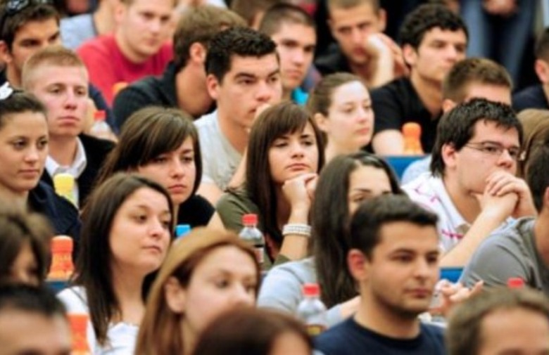 Dodijeljeno 500 stipendija, 100 za studij u RH, a čak 400 za studij u BiH