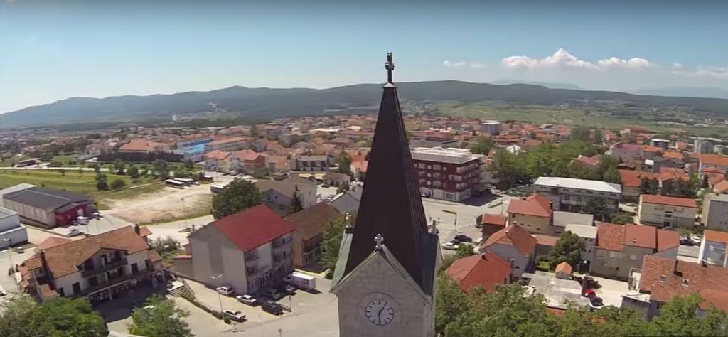 U središtu posuške općine živi 6442 župljana