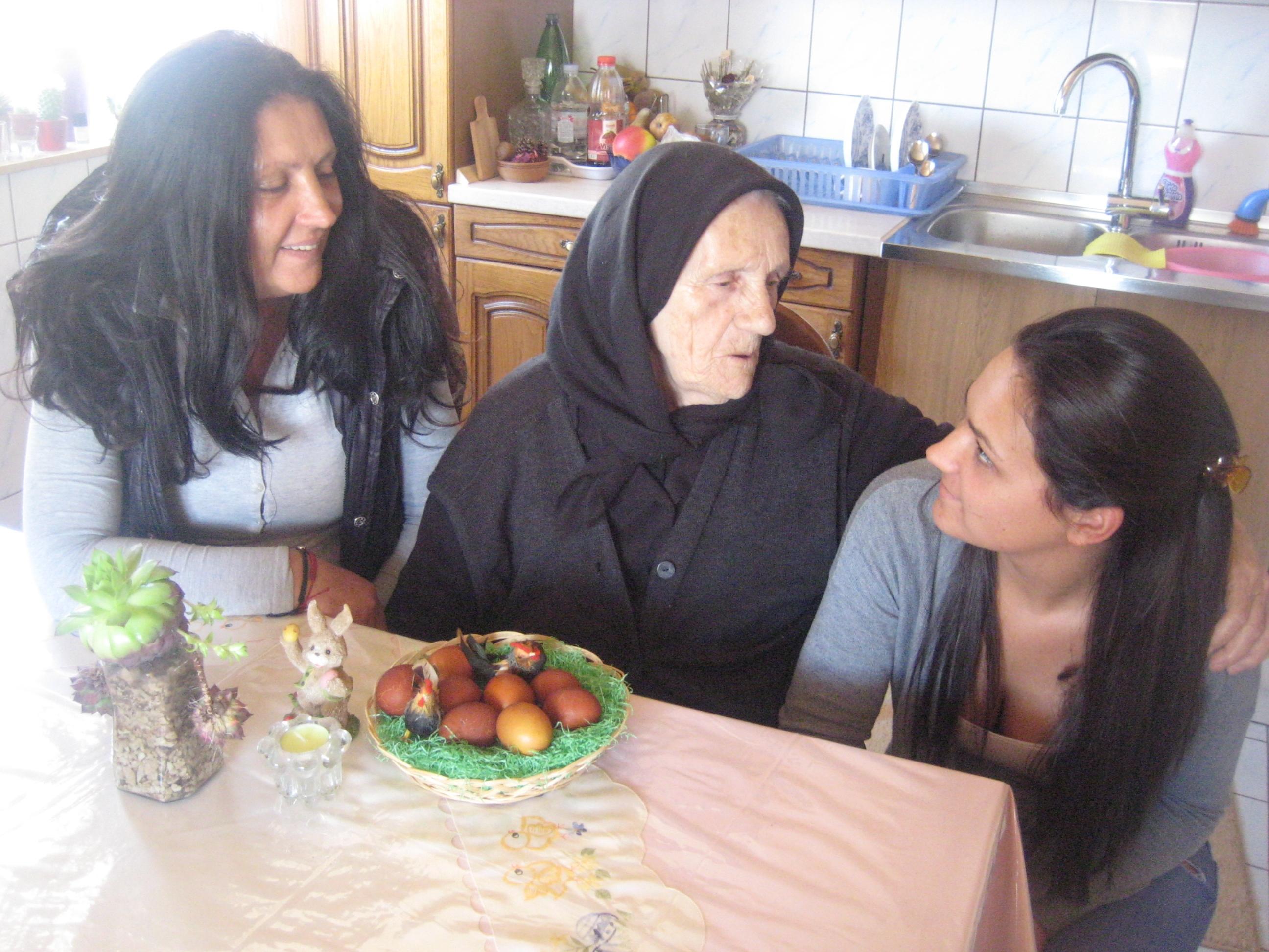 ZAVELIM: Kćerka Zora napustila Beč radi čuvanja majke Anđe u 93. godini