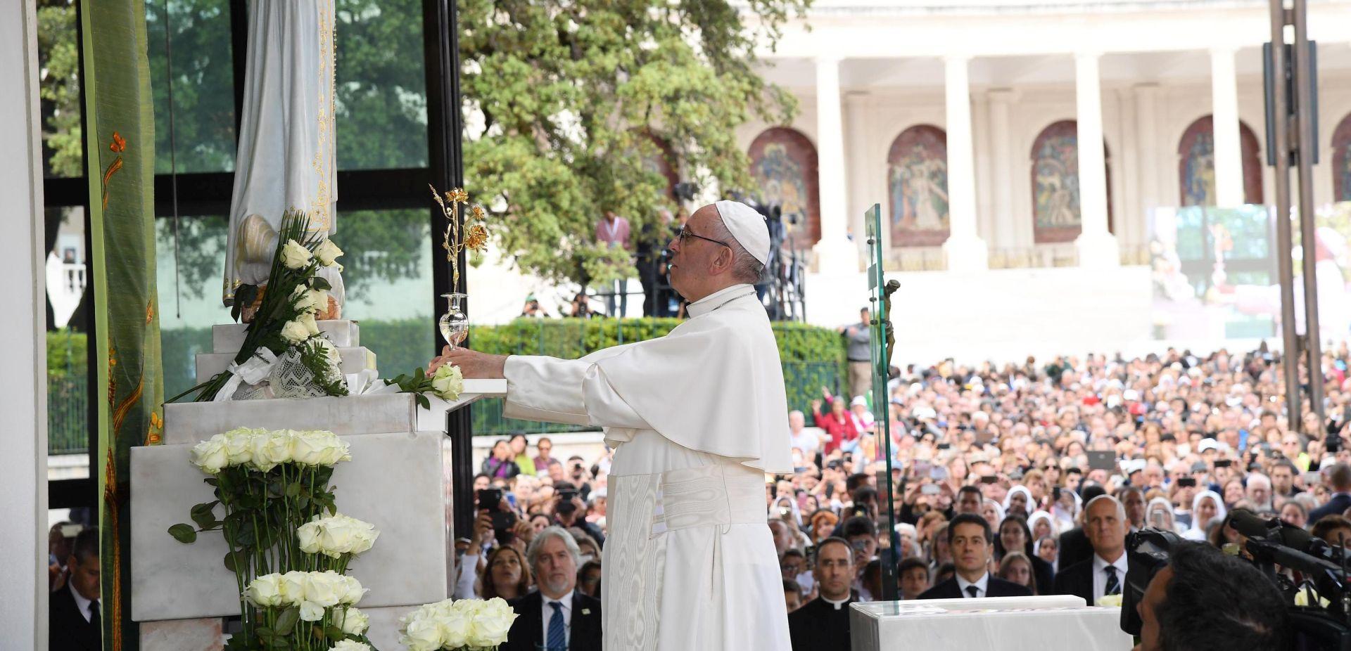 FATIMA: Papa Franjo kanonizirao dvoje portugalske djece