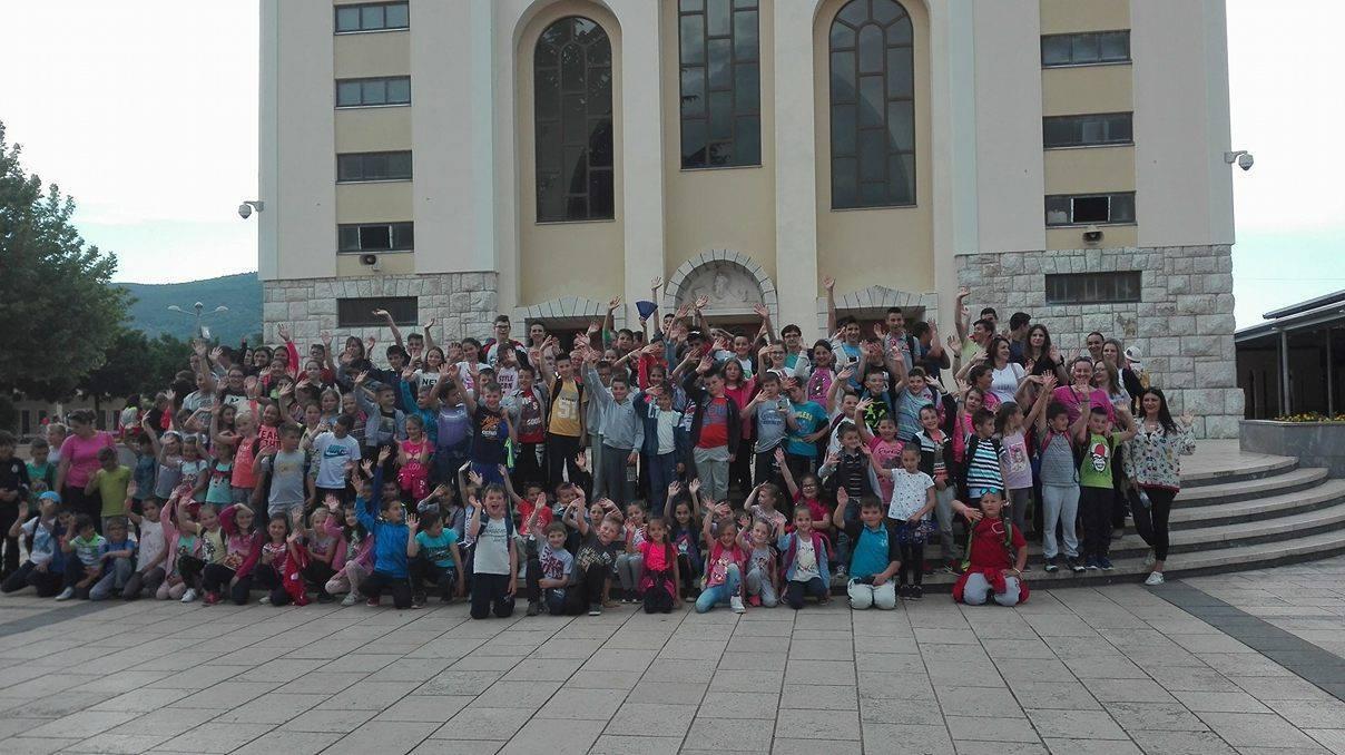 Učenici OŠ Vranić na izletu na Humcu, Kravicama i Međugorju
