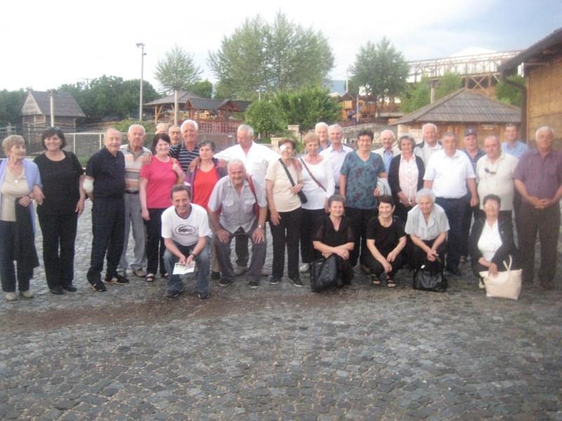 Posuški umirovljenici u posjetu Eko selu Grabovica
