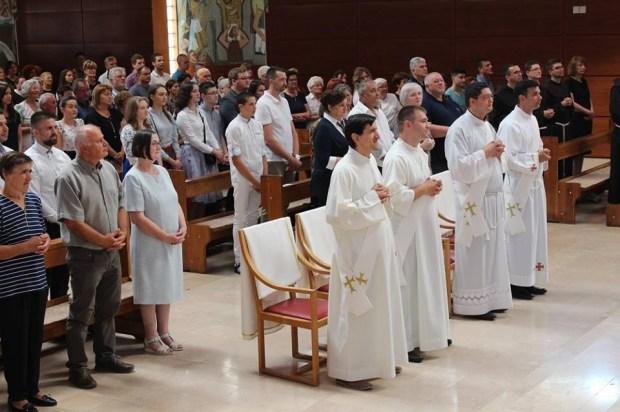 Četvorica novih svećenika u Hercegovini (FOTO)