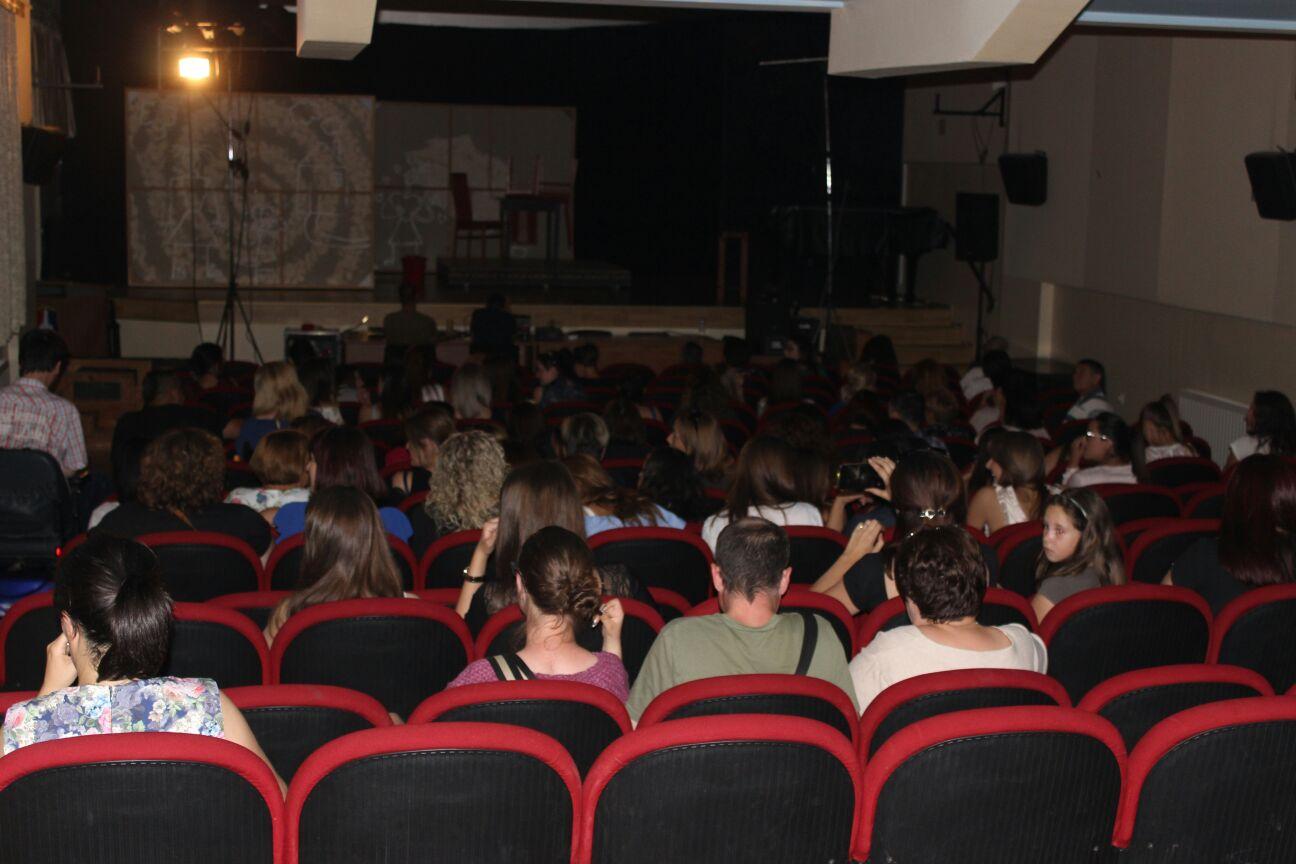 POSUŠKO LITO: Predstava Sve o ženama oduševila brojnu posušku publiku
