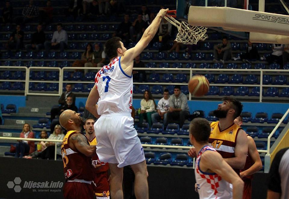 NAŠI POD OBRUČIMA: Posuški košarkaši i košarkašice predvodili svoje momčadi