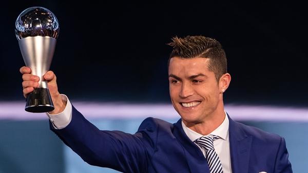 Ronaldo je najbolji igrač na svijetu, Modrić ponovno u najboljoj momčadi