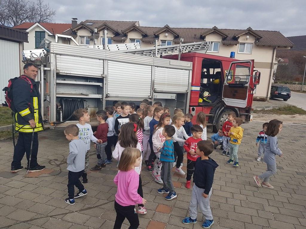 Posušje: vatrogasci i gss-ovci s djecom u vrtićima o pravilima ponašanja u slučaju nepogoda