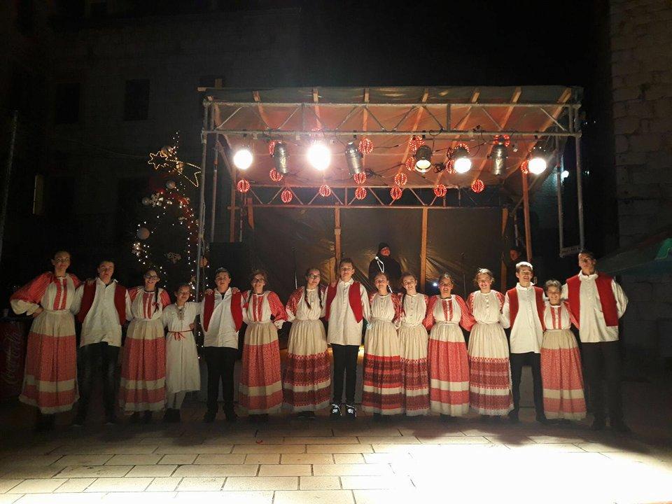 FOTO: Općina Posušje na Božićnom sajmu u Imotskom