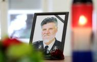 POSUŠJE: Paljenje svijeća u povodu godišnjice smrti generala Slobodana Praljka