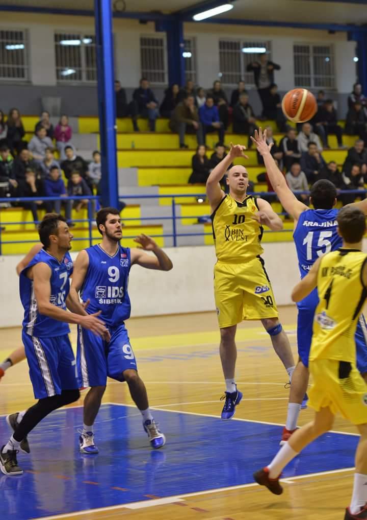 Košarkaši Posušja uvjerljivi nad Livnom