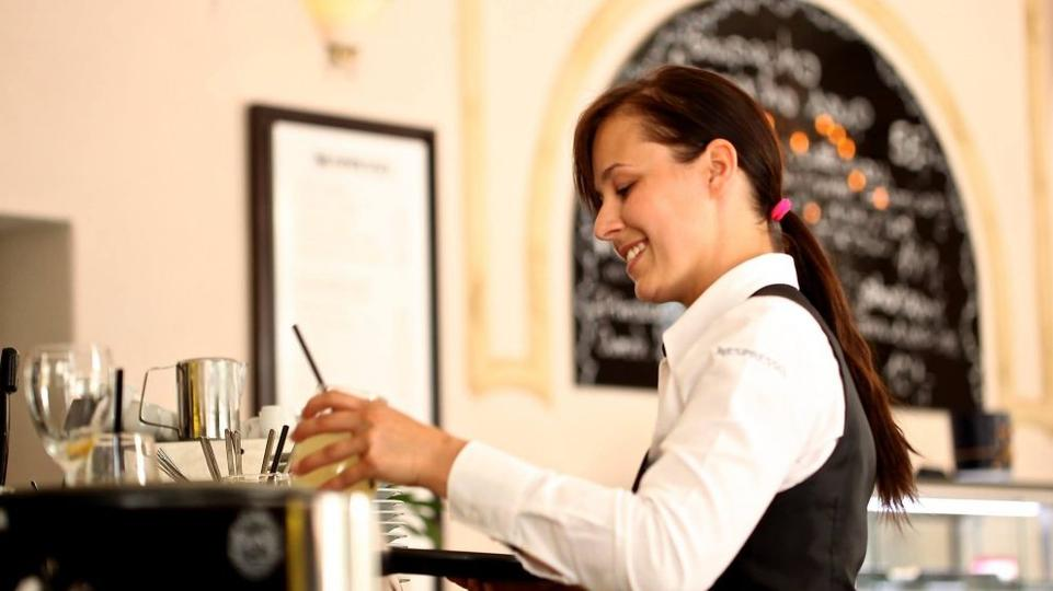 ZAUSTAVLJANJE ODLAZAKA: Sugerira se poslodavcima da radnicima osiguraju bolje uvjete