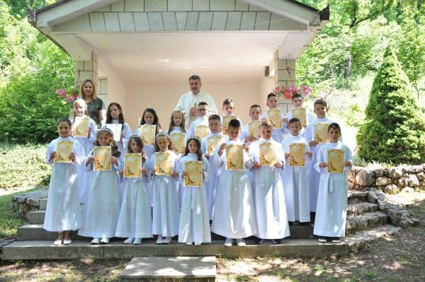 U župi Posuški Gradac sakrament svete pričesti primilo 20 djece