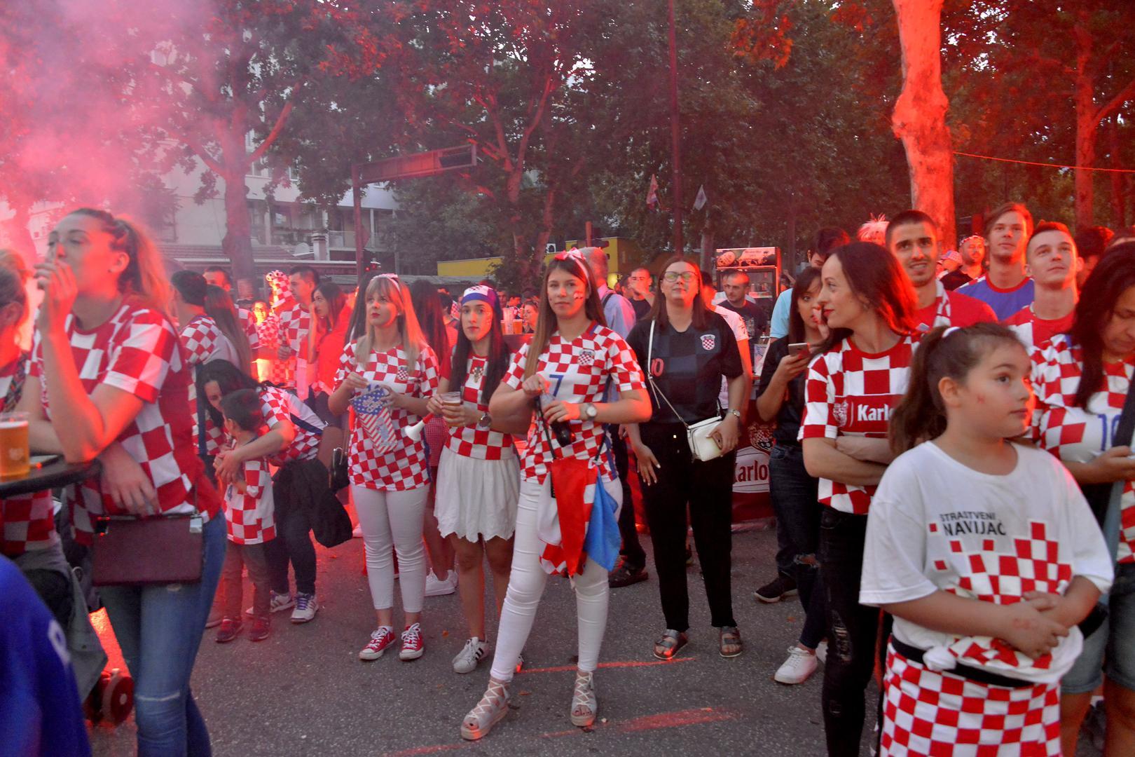 Vatreni ujedinili naciju, susret se večeras organizirano prati u BiH