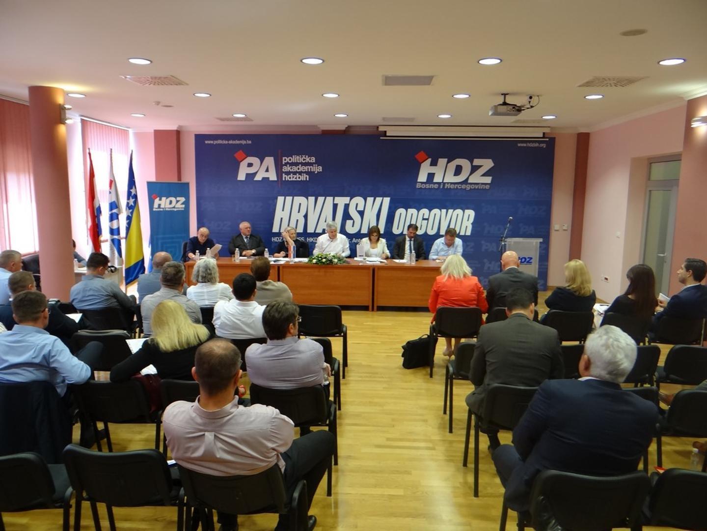 PREDSJEDNIŠTVO HDZ BIH: Bošnjačke stranke šalju lošu poruku ignorirajući Odluku Ustavnog suda