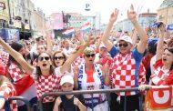 Čekamo povratak heroja iz Rusije, na Trgu je već sad ludnica!