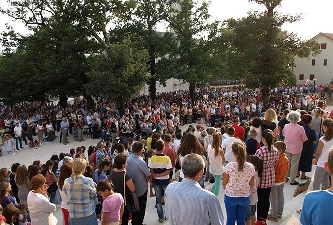 Katolici diljem BiH danas proslavljaju blagdan Velike Gospe