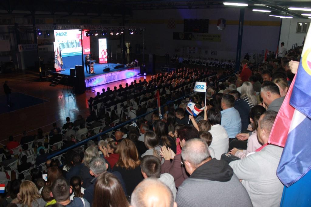 POSUŠJE: Najvećim skupom u BiH, HDZ BiH trasirao put prema uvjerljivoj pobjedi