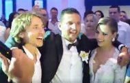 """""""Kalelarga"""": Pogledajte kako Modrić pjeva na svadbi u Posušju"""