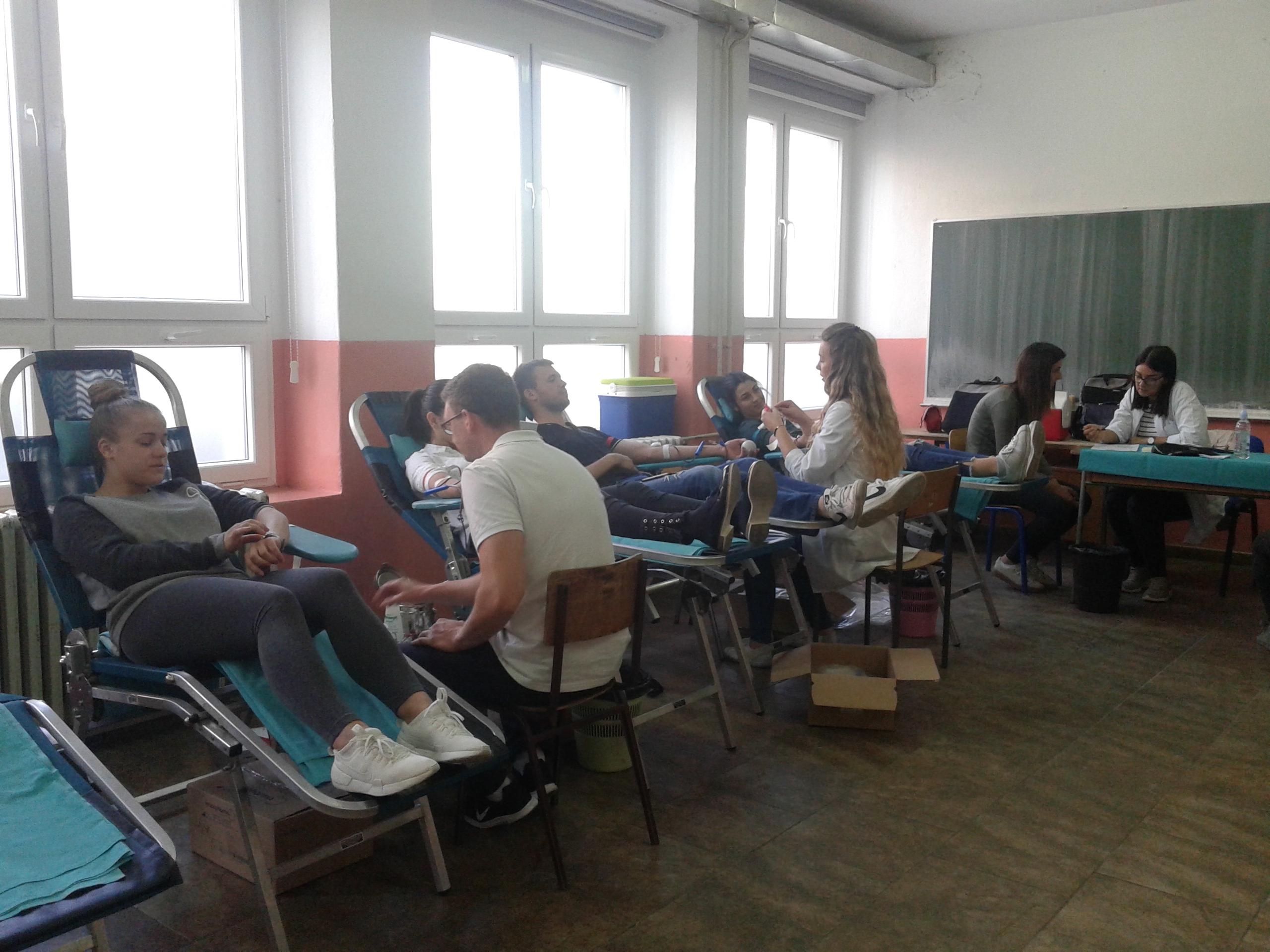 Održana prva jesenska akcija dragovoljnog darivanja krvi za srednjoškolce