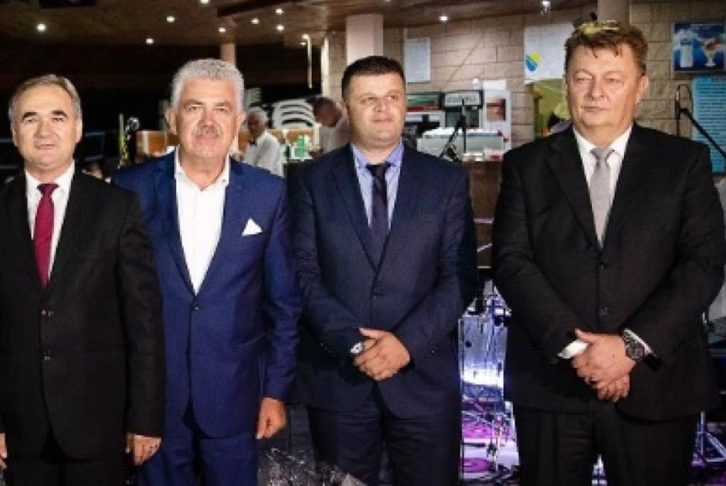 Čelnici pet županija sa hrvatskom većinom proglasili Željka Sejdu Komšića personom non grata