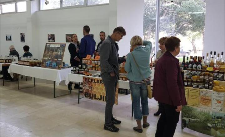 Na sajmu u Mostaru predstavljen hercegovački med