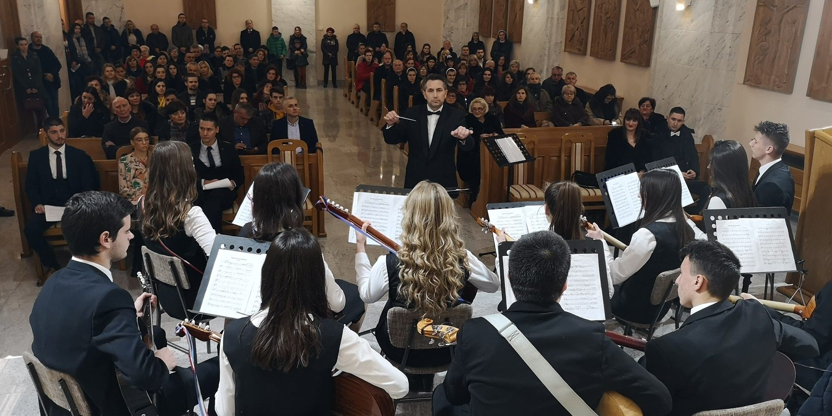 U FRANJEVAČKOJ KAPELICI: Napretkov božićni koncert održan u Mostaru