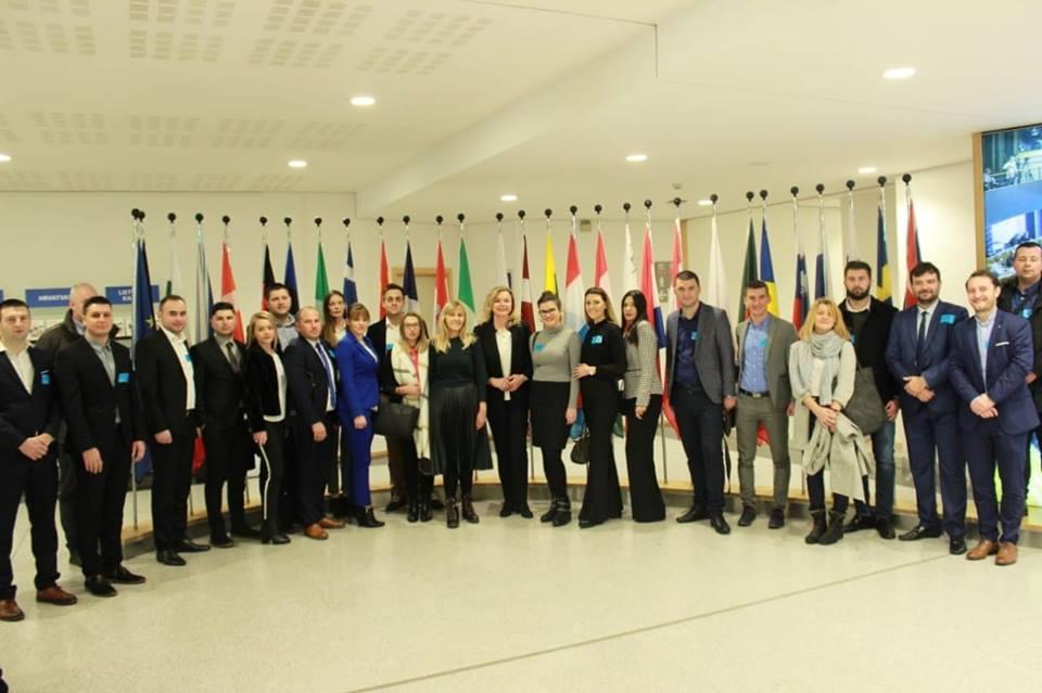 Predstavnici ŽO Mladeži HDZ BiH ŽZH na okruglom stolu u Europskom parlamentu u Bruxellesu