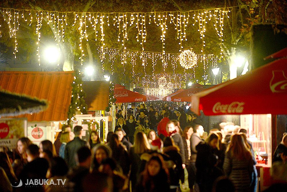 Advent u Mostaru: Koncertom TBF-a započeo novi Zimski grad Mostar